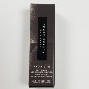 Fenty Beauty by Rihanna Foundation Color 300